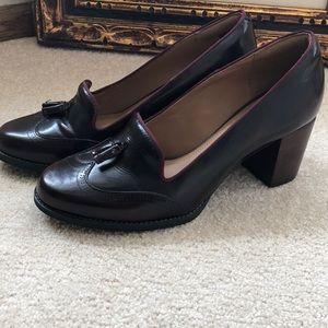Woman's Clarks shoes size 9